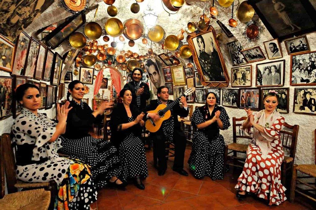 zambra gitana flamenco show en sacromonte granada